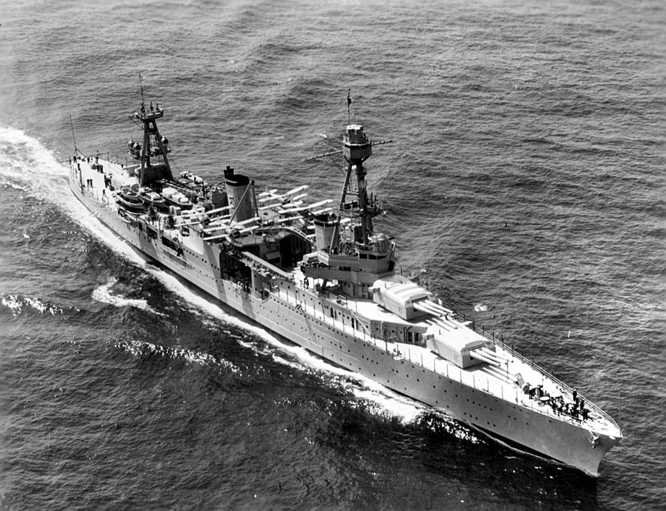 USS Chicago (CA-29) underway off New York City on 31 May 1934 (NH 715)
