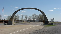 United States Highway 61 Arch, AR-MO state line.jpg