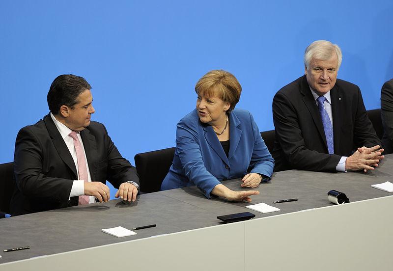 File:Unterzeichnung des Koalitionsvertrages der 18. Wahlperiode des Bundestages (Martin Rulsch) 076.jpg