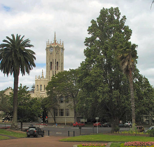 University of Auckland clock tower building viewed from Albert Park UoA-ClockTower.jpg