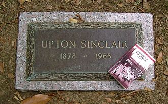 Upton Sinclair - Sinclair's grave in Rock Creek Cemetery, Washington, DC