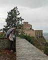 Verucchio, vista sulla rocca malatestiana in un giorno di pioggia.jpg