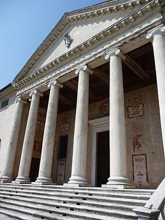 Villa Badoer - The pediment
