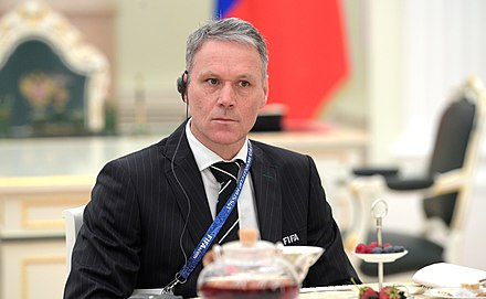 Van Basten as FIFA technical director meeting with Vladimir Putin in Moscow, July 2018 Vladimir Putin's meeting with the legends of world football (2018-07-06) 12.jpg