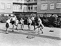 Voetballende jongens van de Daltonschool in Amsterdam, Bestanddeelnr 189-0139.jpg