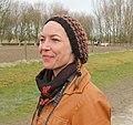 Vrouw met gebreide muts in Nederland.JPG
