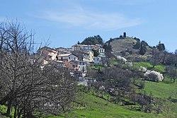 Vue sur le village de Saint-Antonin en venant du vallon de La Penne (2).JPG