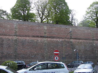 Fortezza Medicea (Siena) - The fortress wall from the city side