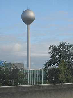 Water tower (Ambares).jpg
