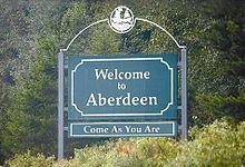 Il cartello d'ingresso della città di Aberdeen sottotitolato Come as You Are