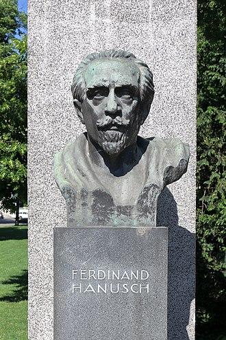 Vice-Chancellor of Austria - Image: Wien Denkmal der Republik, Ferdinand Hanusch Büste