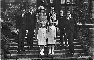 Duchess Cecilie of Mecklenburg-Schwerin - The German Crown Prince with his wife and their children. From left to right: Prince Wilhelm, Prince  Hubertus, Crown Princess Cecile, Crown Prince Wilhelm, Prince Friedrich Georg and Prince Louis Ferdinand of Prussia. In the foreground: Princesses Alexandrine and Cecilie of Prussia.