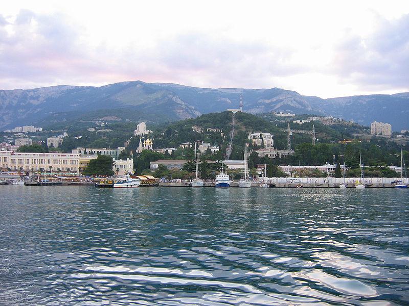 File:Yalta port.jpg