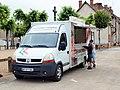 Ygrande-FR-03-camionnette Lucien Pizza-01.jpg