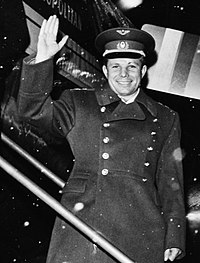 Yuri Gagarin in Sweden, 1964 (cropped).jpg