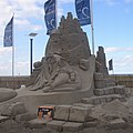 Zandsculptuur Noordwijk boulevard, Space, 3e prijs.jpg