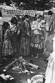 Zigeuners demonstreren voor gebouw Vereniging van Nederlandse Gemeenten in Den H, Bestanddeelnr 929-3533.jpg