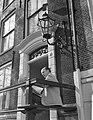 Zonnen in Amsterdam Wim Sonneveld in de zon, Bestanddeelnr 912-2382.jpg