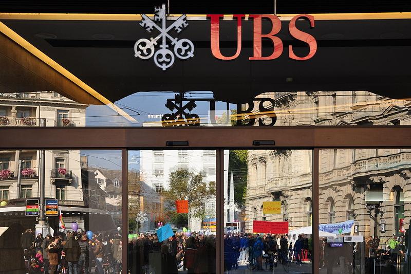 File:'Occupy Paradeplatz' Zürich 2011-10-22 14-44-56.jpg