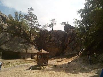 Дивовижні Скелі Довбуша.jpg