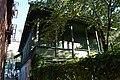 Дом жилой (Ким-Ю-Чена улица, 9, балкон второго этажа со двора).JPG