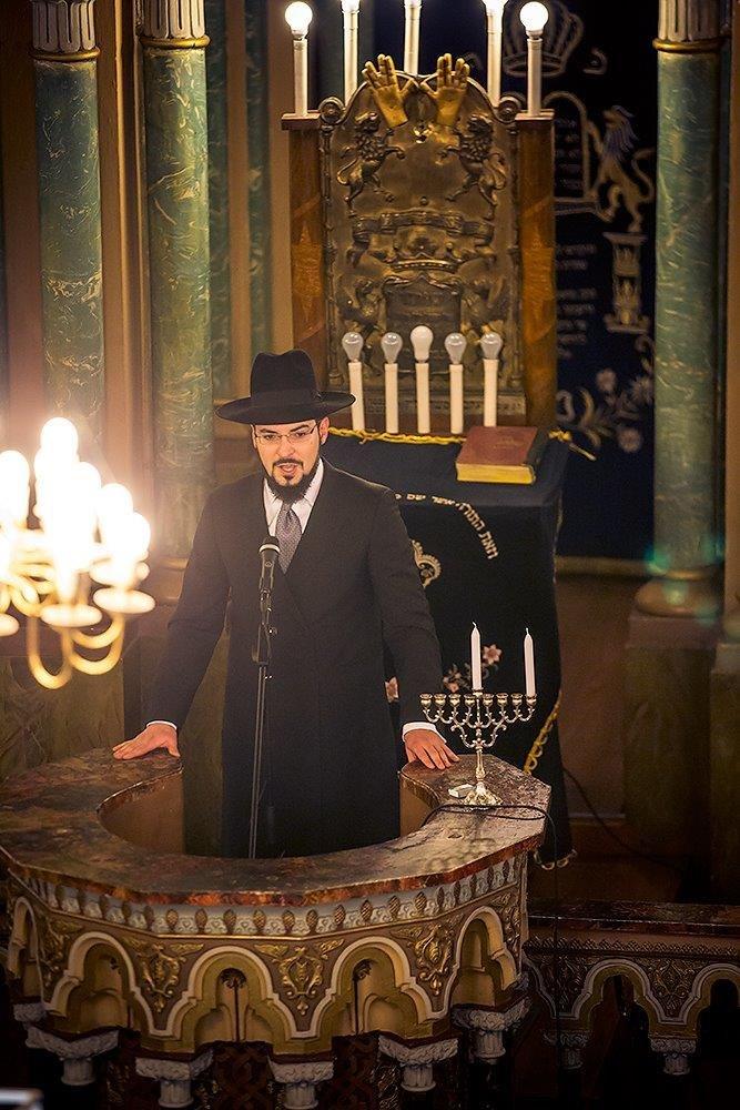 הרב שמשון איזקסון בנאום ההכתרה בבית הכנסת הגדול בווילנה 1
