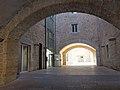 017 Antic hospital de Santa Caterina (Girona), pati d'entrada.JPG