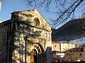 108 Sant Pere de Camprodon, a la dreta les escoles.jpg