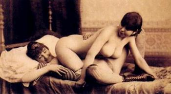 fellations féminines positions sexuelles lesbiennes