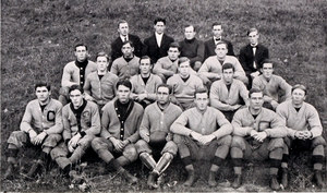 1909 Clemson Tigers football team - Image: 1909 Clemson Tigers football team (Taps 1910)