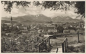 Traunstein - Traunstein in 1930. View of the town from the North. The Hochfelln and Hochgern mountains in the background.