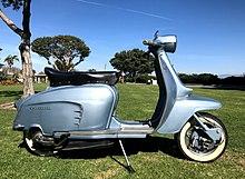 1966 Innocenti Lambretta Li125 Special Metallic Blue 1.jpg