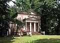 20030702290DR Ludwigslust Schloßpark Paulownen Mausoleum.jpg