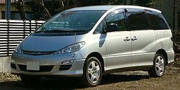 2003 Toyota Estima 01.jpg