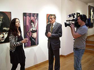 Go West (exhibition) - Exhibiting artist, Ella Guru, is interviewed at Spectrum London gallery during the show by Richard Quest of CNN International.