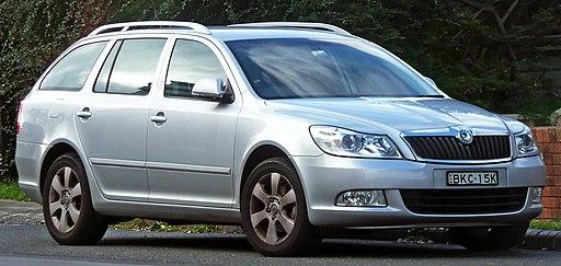 2009-2010 Škoda Octavia TSI station wagon 01