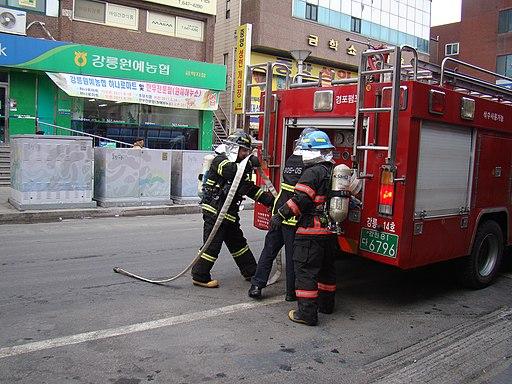 2011년 12월 28일 강릉중앙시장 화재예방캠페인 DSC05851