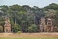 2016 Angkor, Angkor Thom, Wieże widziane z Tarasu Słoni.jpg