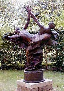 John Mills (British sculptor) British artist