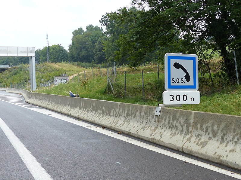 File:A43 Panneau CE2a M1 300m.jpg