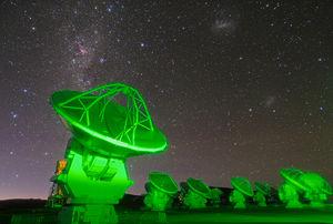 Parabolic reflector - Image: ALMA antennas on Chajnantor
