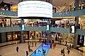 A l'intérieur du Dubaï Mall +1200 shops, le plus grand centre commercial du monde (6830160966).jpg