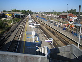Acton Main Line railway station.jpg