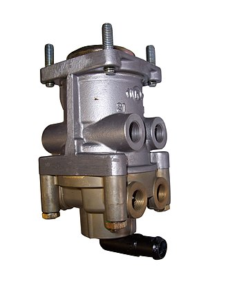 Air brake (road vehicle) - Image: Air foot valve