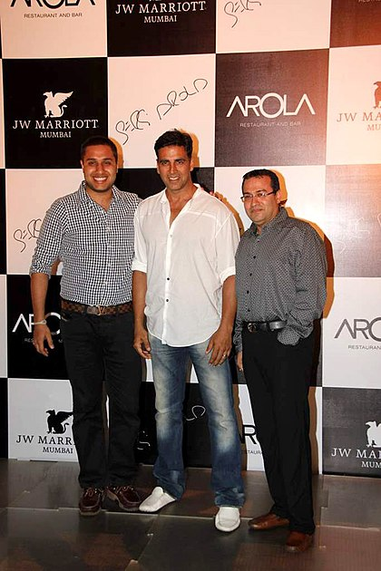 Akshay Kumar at the Launch of new restaurant 'Arola' at J W Marriott 03.jpg