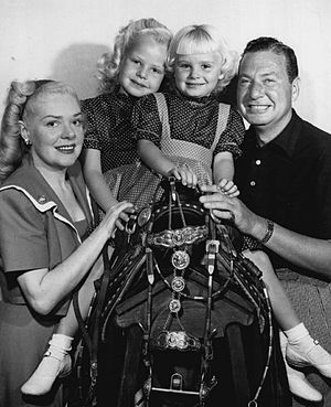 Phil Harris - Harris, Faye, and their two daughters, Alice and Phyllis, in 1948