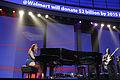 Alicia Keys live Walmart 4.jpg