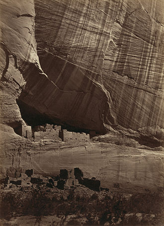 Canyon de Chelly National Monument - Image: Ancient ruins in the Cañon de Chelle 10055u