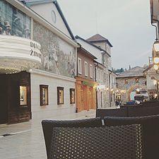 Andrićgrad šetalište.jpg
