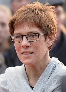 Annegret Kramp-Karrenbauer 2016 (cropped).jpg